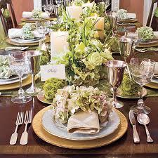 An elegant table - Southern Living Magazine