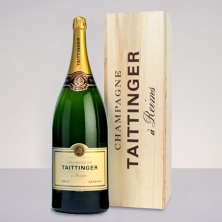 Tattinger Brut - Kelly Renee via Pinterest